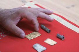 Крошечные свитки с заклинаниями нашли в Сербии