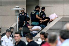 Турция освобождает места в тюрьмах для арестованных за попытку путча