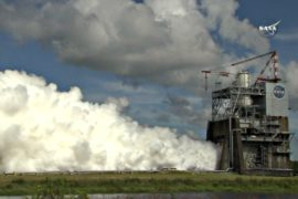 НАСА испытало двигатель ракеты для полётов на Марс