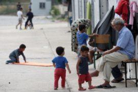 Греция призывает страны ЕС быстрее расселять беженцев