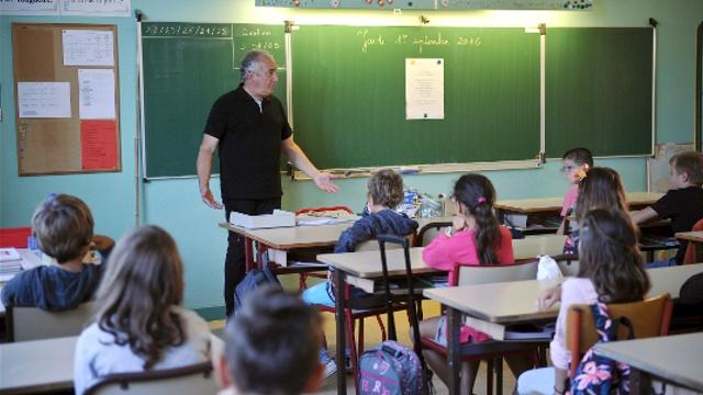 Школы Франции будут под усиленной охраной