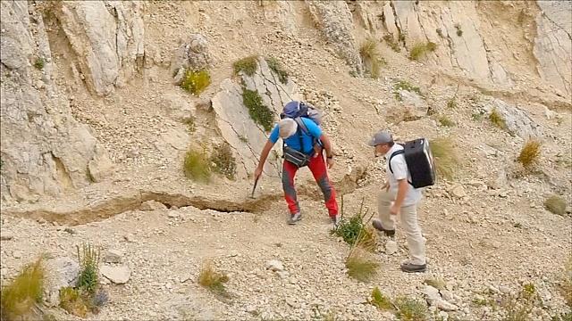 Итальянские геологи изучают гигантский разлом