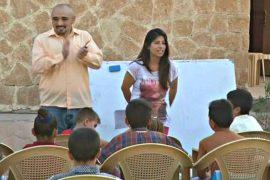 Американец учит английскому детей-езидов в Ираке