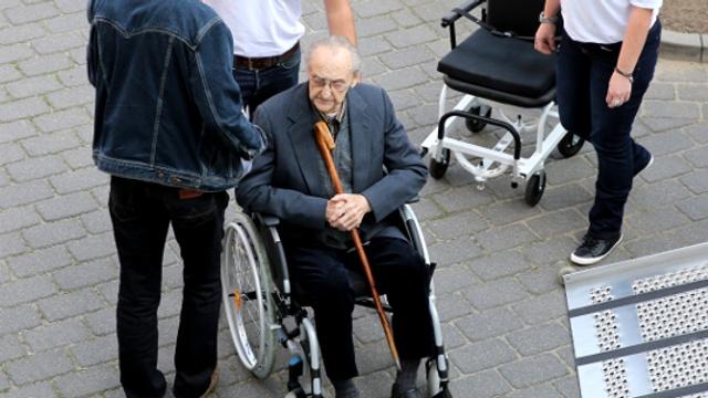 В Германии судят 95-летнего бывшего санитара СС