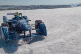 Болид Формулы Е прокатился по арктическим льдам