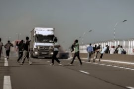Мигранты Кале стали активнее