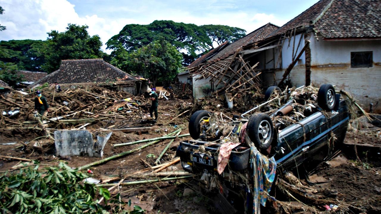 Наводнение на Яве: более 20 погибших
