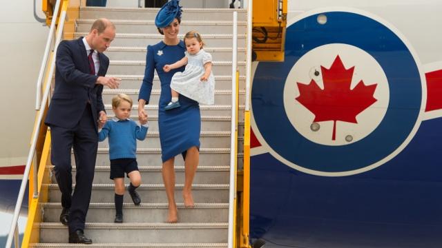 Уильям и Кейт с детьми прибыли с недельным визитом в Канаду