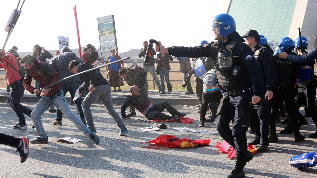 Анкара: стычки в день памяти