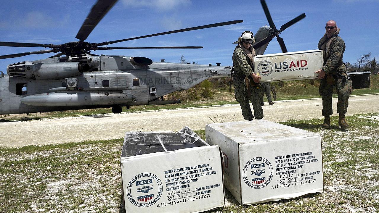 На Гаити поступает международная помощь