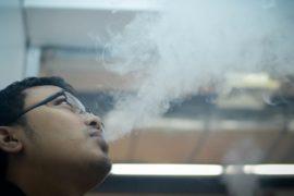 На Филиппинах запретят курить в общественных местах