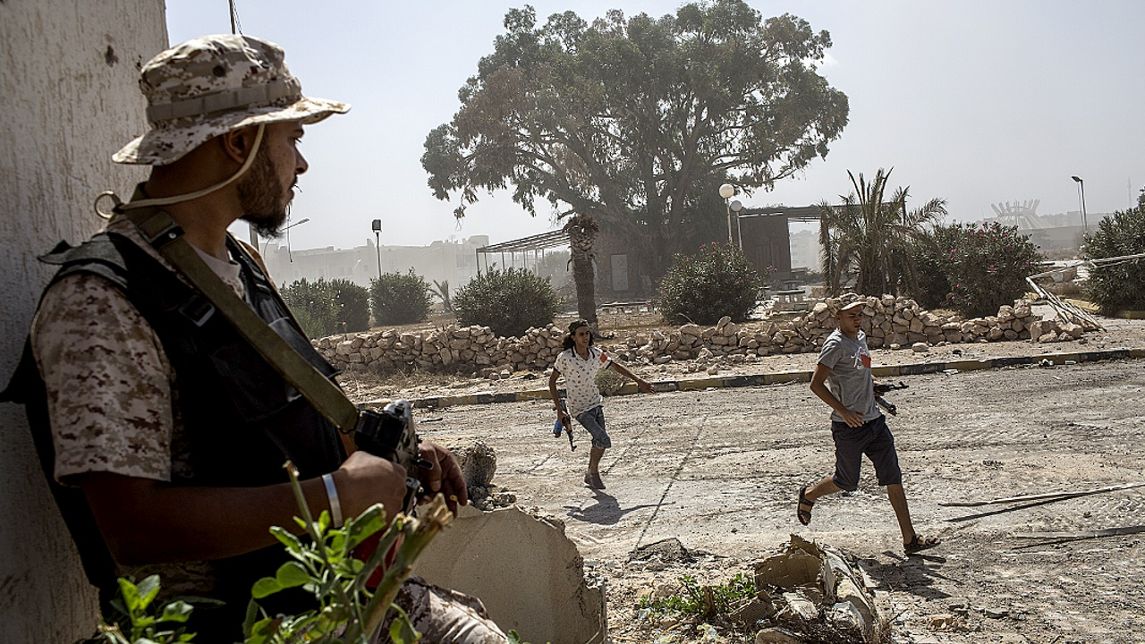 Ливийские военные вытесняют ИГ с последней позиции в Сирте