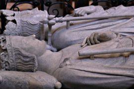 Словенский город не хочет отдавать Франции останки короля