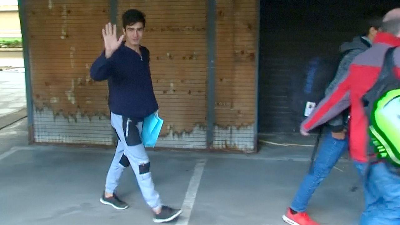 Подростки-беженцы из лагеря в Кале прибыли в Лондон