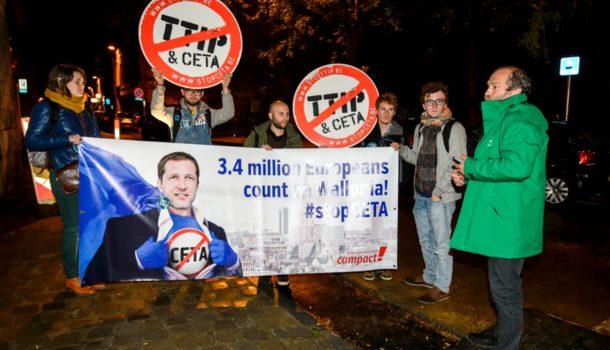 СоветЕС отложил утверждение проекта соглашения освободной торговле сКанадой
