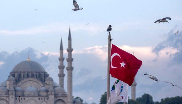 Турция пригрозила порвать соглашение сЕС помигрантам