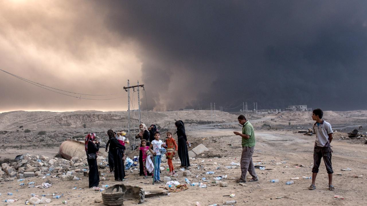 Жители пригорода Мосула бегут от боёв с ИГИЛ