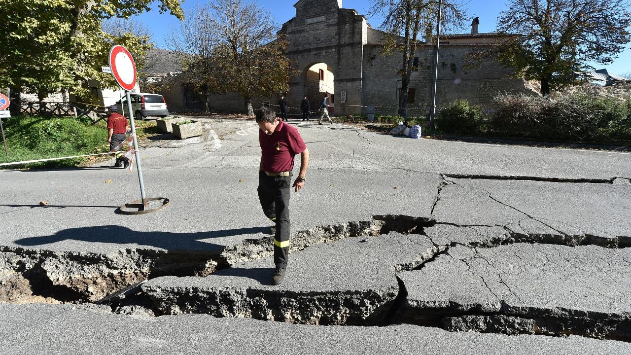 Италия: новое мощное землетрясение магнитудой 6,6