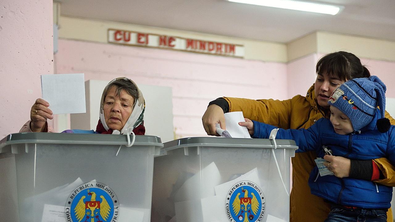 Президента Молдовы не удалось выбрать в первом туре голосования