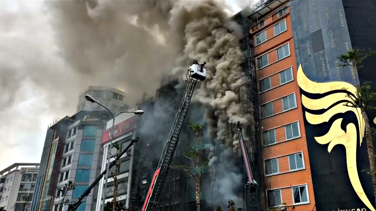 Пожар в караоке-баре в Ханое: 13 погибших