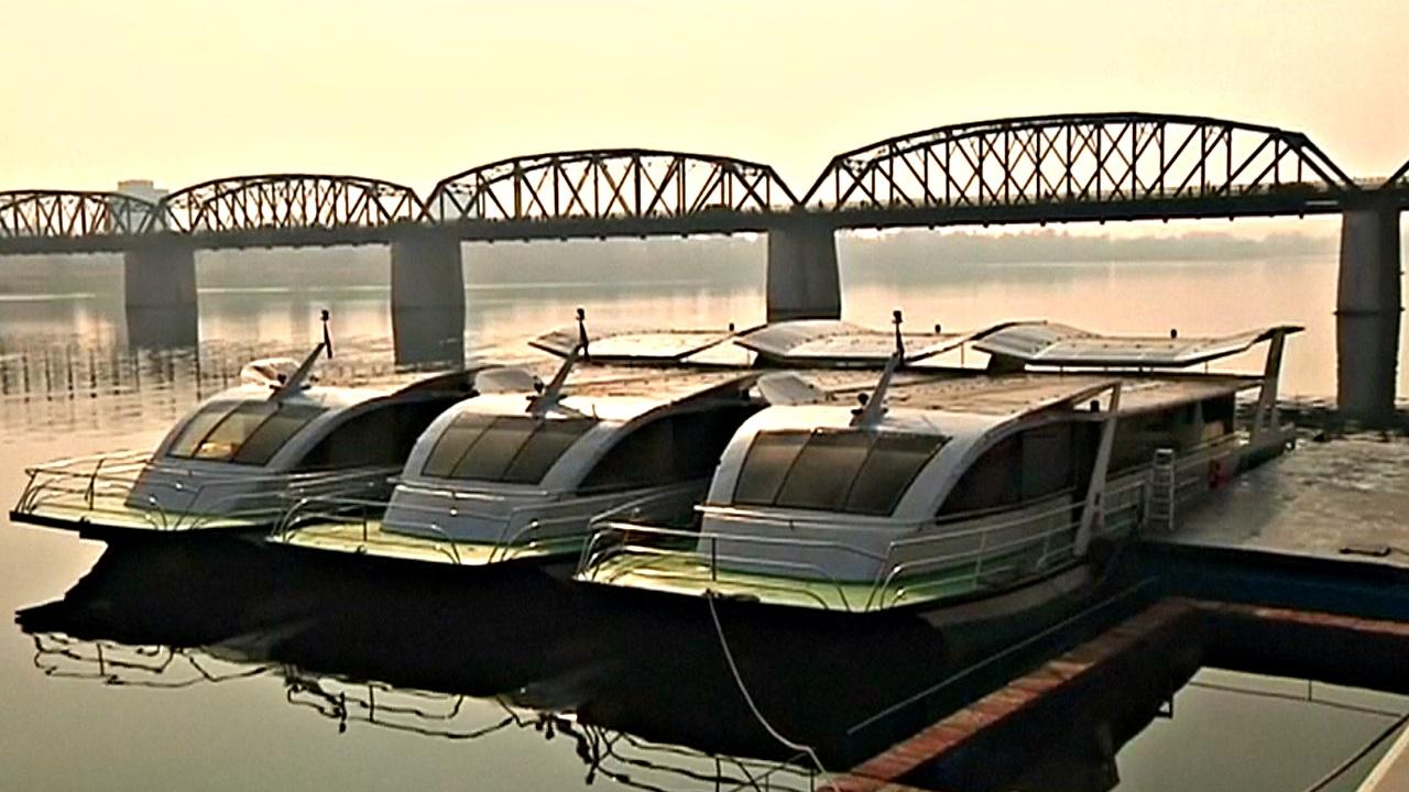 В КНДР построили речные паромы на солнечных батареях
