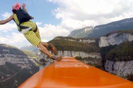 «Летающие французы» занялись сёрфингом над пропастью
