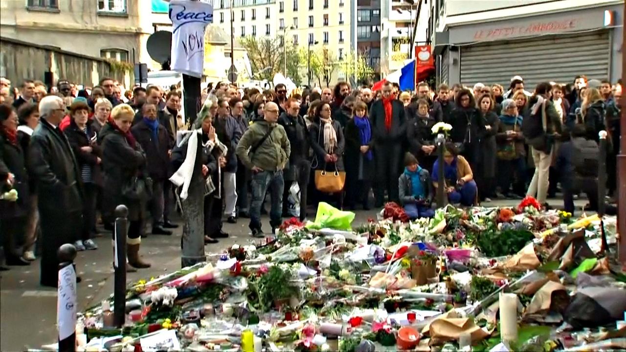 Жертвы парижских атак призывали оказать им больше помощи