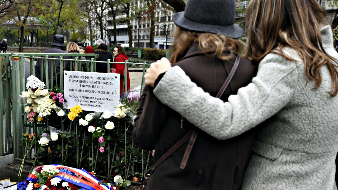 В Париже помянули жертв терактов 13 ноября