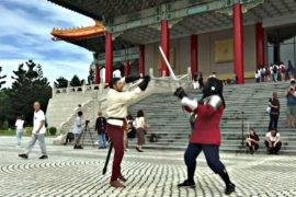 Тайваньцы увлеклись европейскими боями на мечах