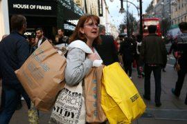 Великобритания: объём розничных продаж вырос из-за холодов