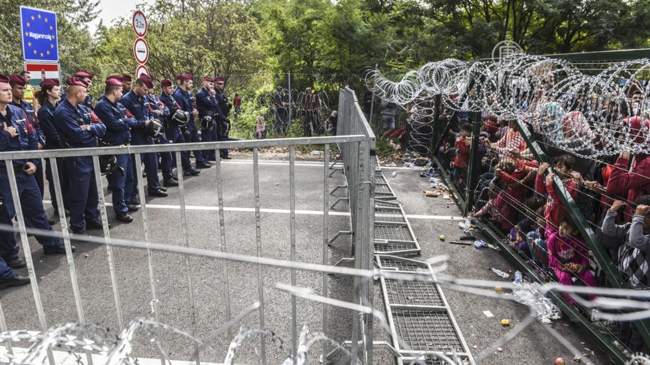 Премьер Венгрии сказал, что его страна закрыта для мигрантов