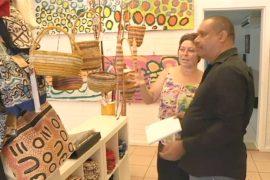 Австралия: аборигенов учат искусству предков