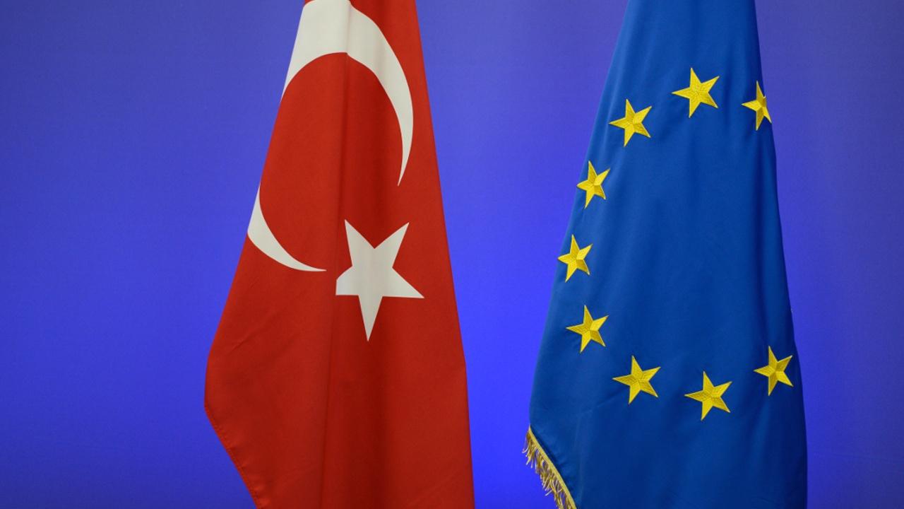 Ведущие политики ЕС призвали прервать переговоры с Турцией