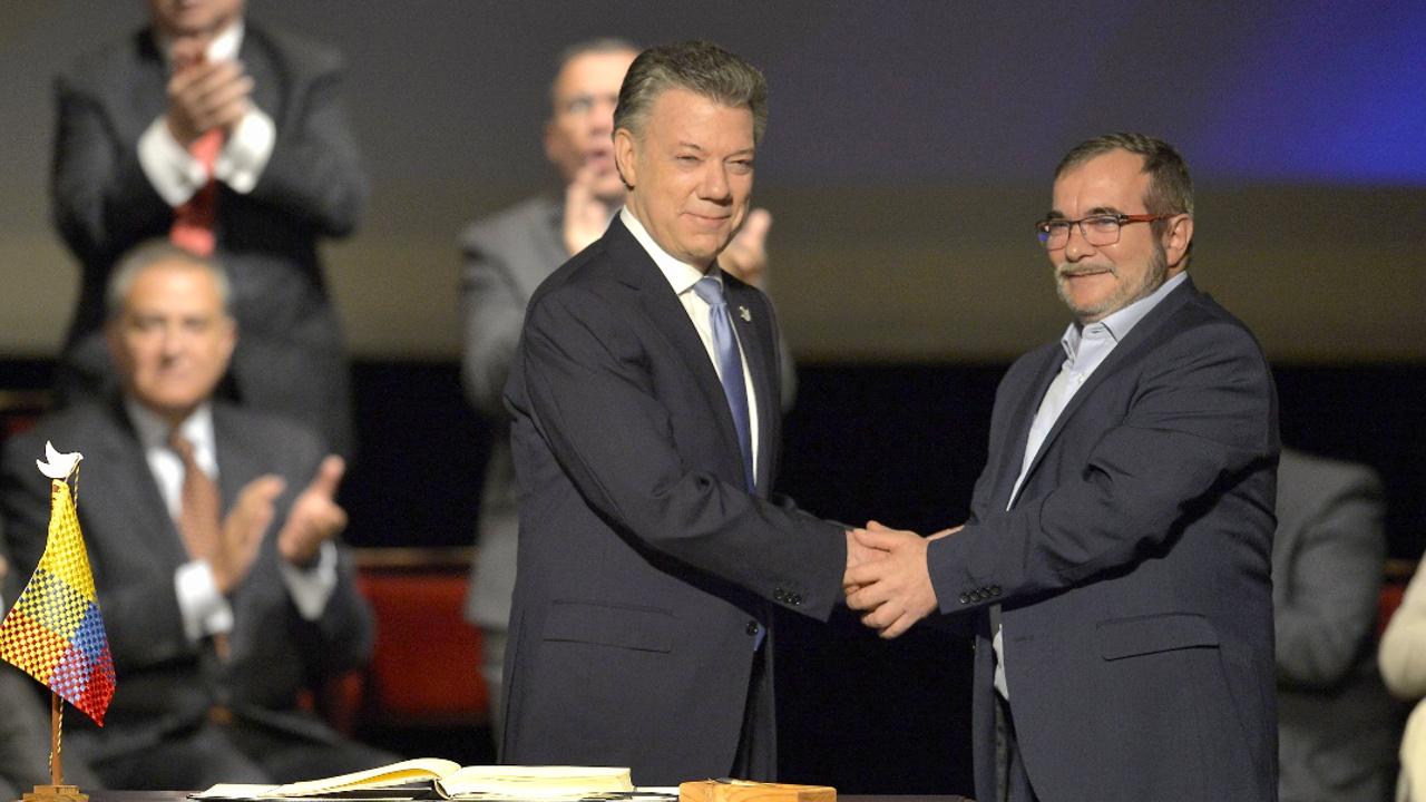Власти Колумбии и ФАРК подписали новое мирное соглашение