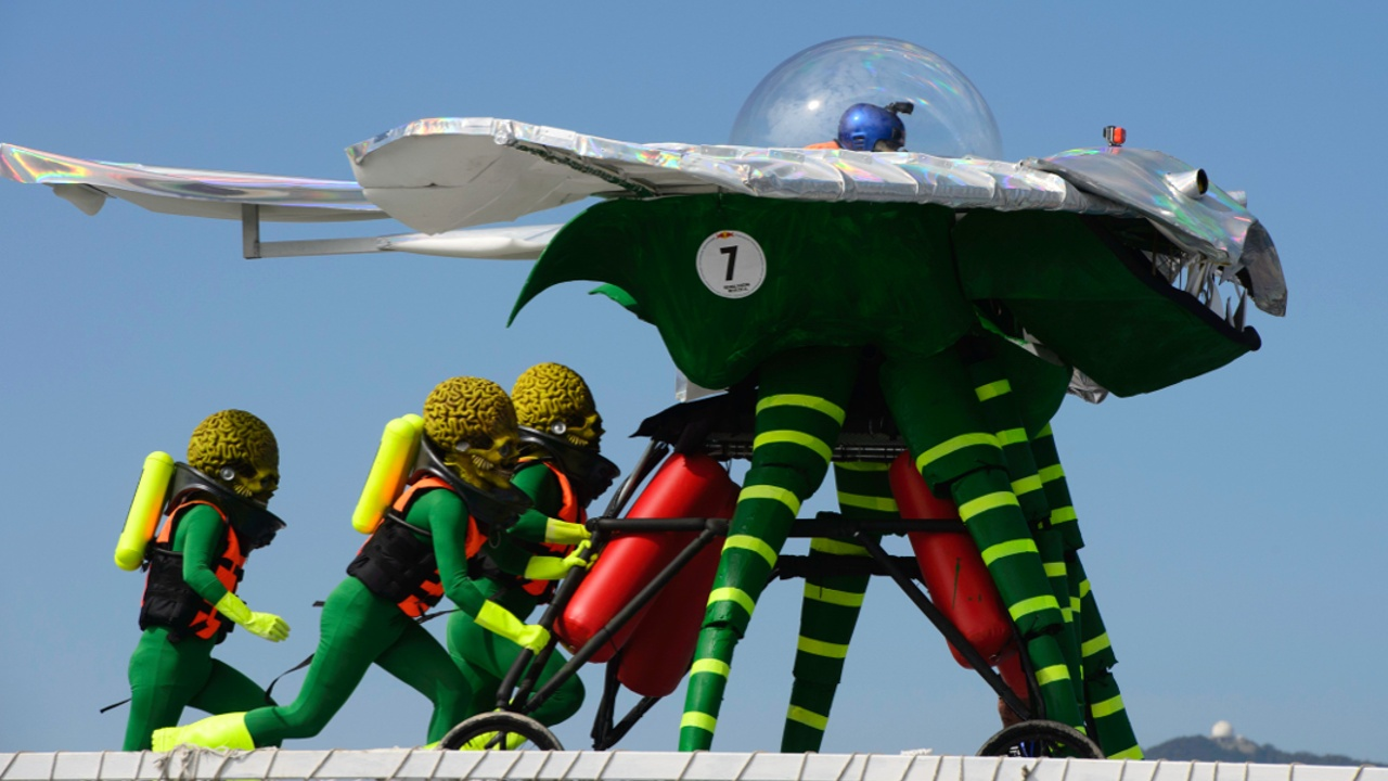 Как инопланетяне состязались с Angry Birds в дальности полёта