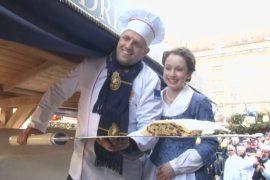 Штоллен весом почти три тонны испекли в Дрездене