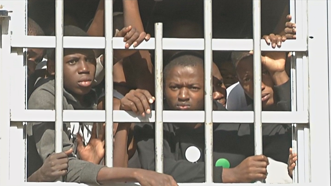 Ливия призывает помочь ей с заключёнными мигрантами