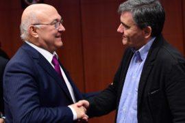 Еврогруппа утвердила меры по облегчению долгового бремени Афин