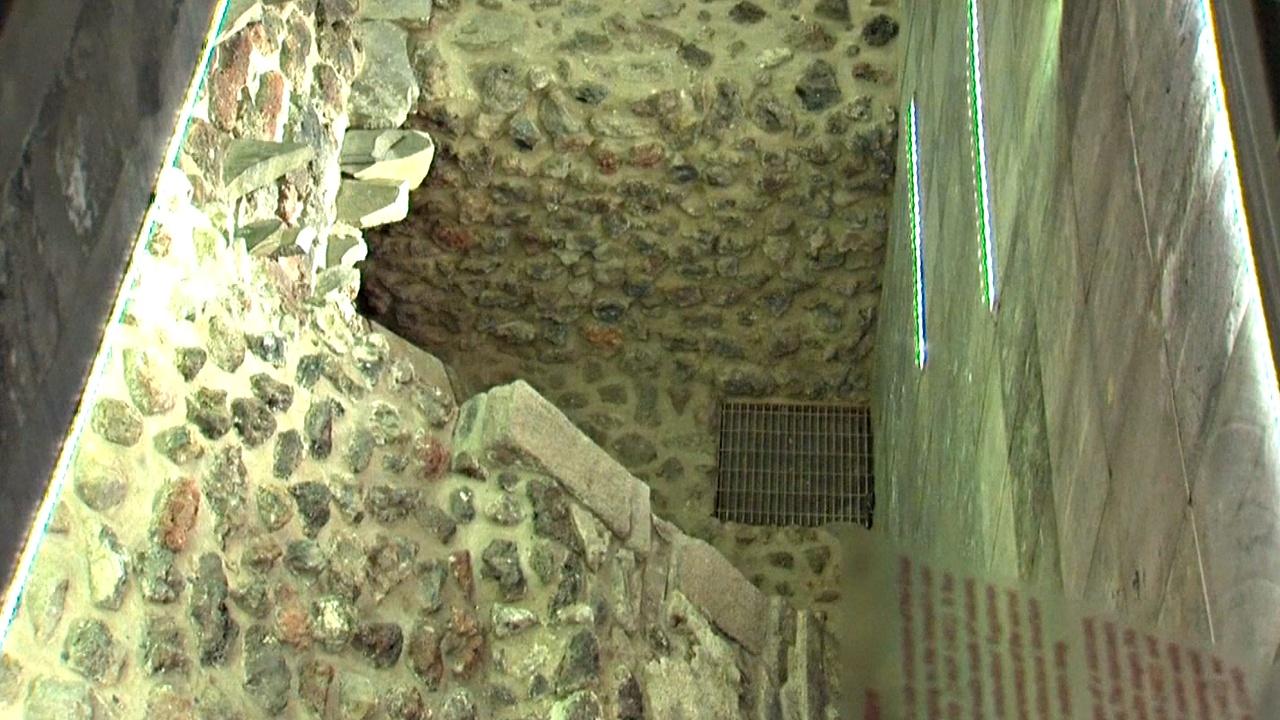 В Мехико можно увидеть храм ацтеков под тротуаром