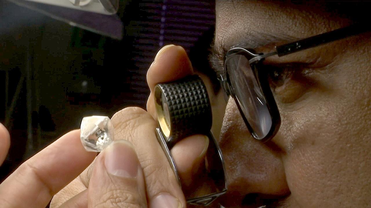В алмазную отрасль Индии инвестировали $15 млн