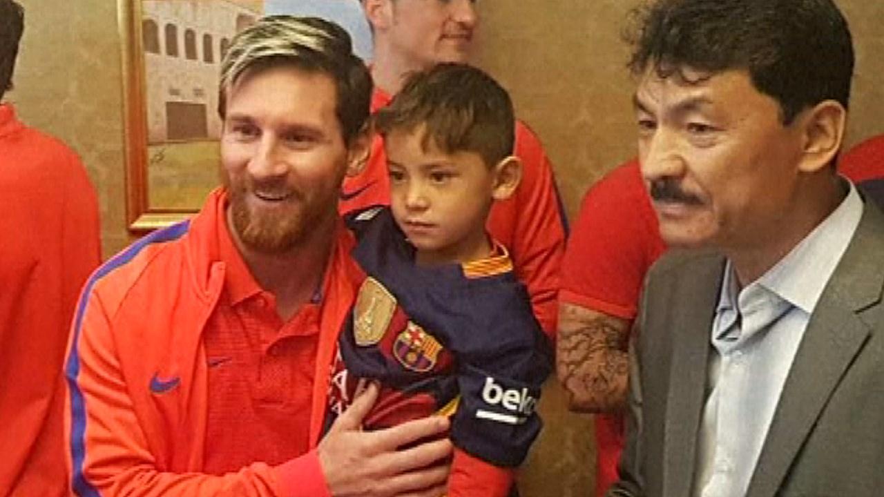 Месси встретился со своим маленьким поклонником из Афганистана