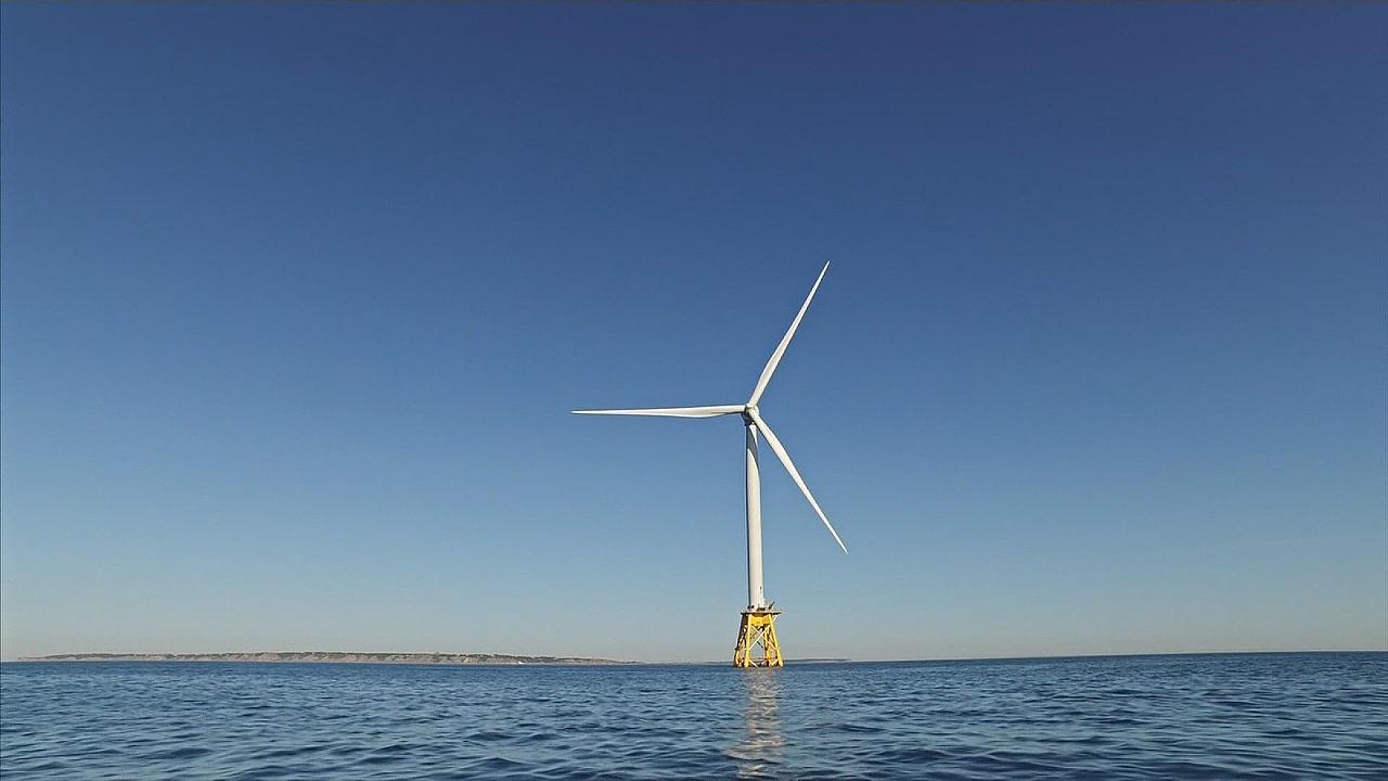 В США появилась первая прибрежная ветряная электростанция