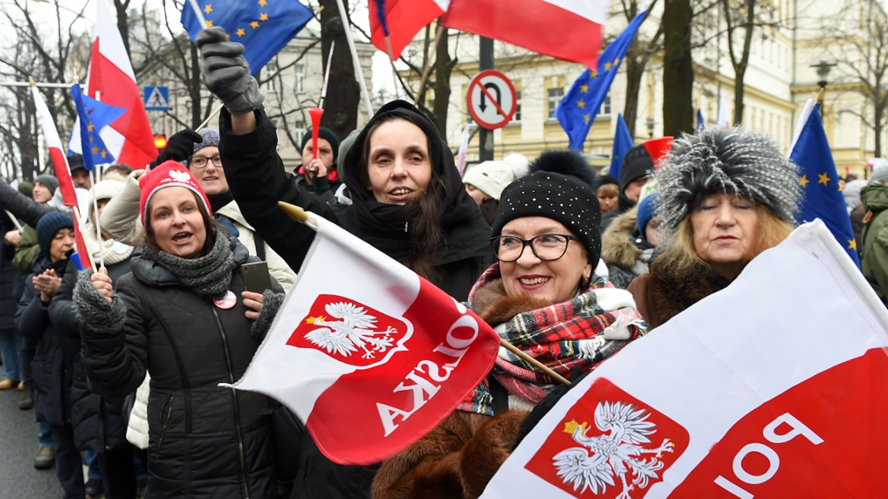 Протесты в Польше против реформы конституционного суда