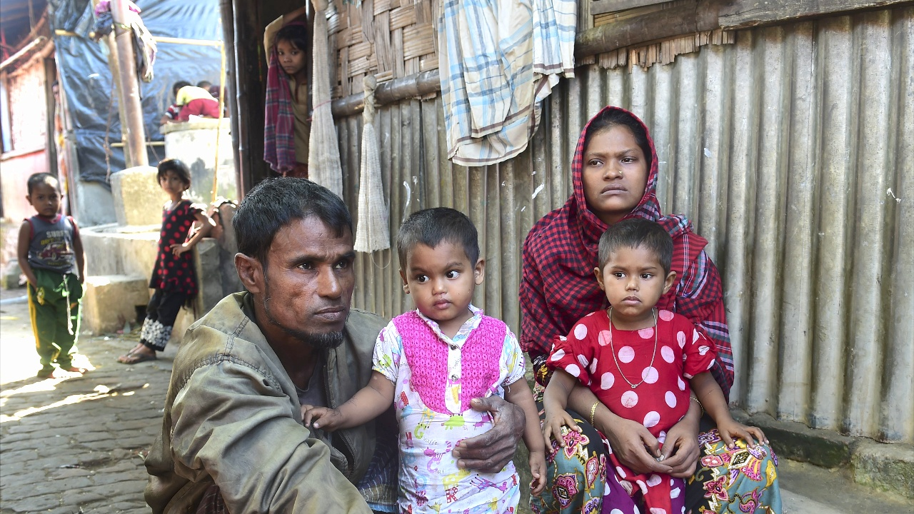 АСЕАН доставит рохинджа гуманитарную помощь