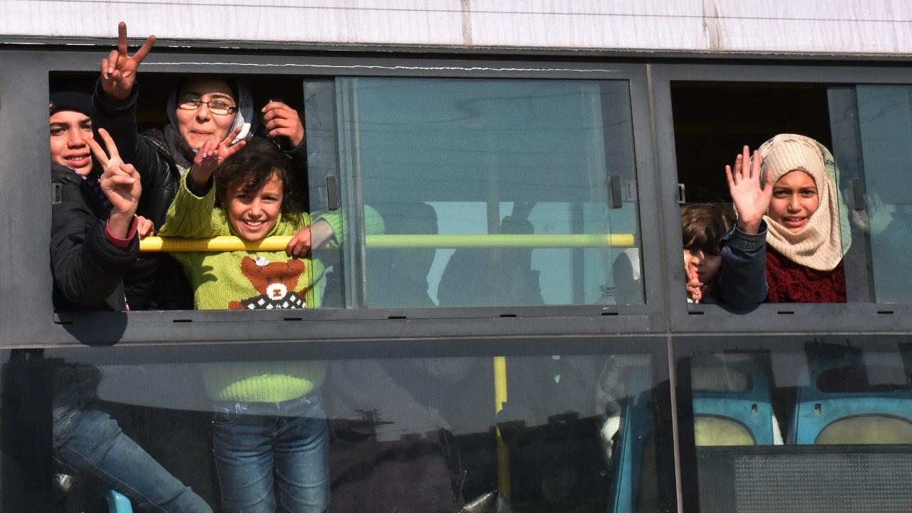 ООН: из Алеппо в Идлиб эвакуировано уже 19 тысяч человек
