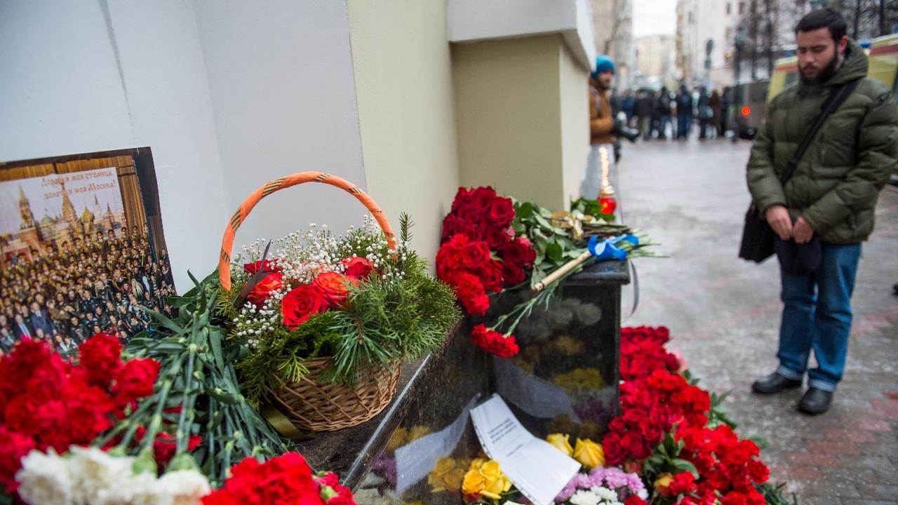 В России объявлен день траура по погибшим в авиакатастрофе Ту-154