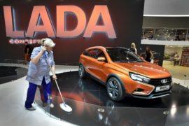 Продажи автомобилей в России возросли