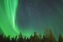 В финском отеле гостей будят во время полярного сияния
