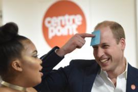 Принц Уильям пообщался с бездомными молодыми людьми