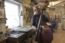 Немецкие мастера создают музыкальные инструменты вручную